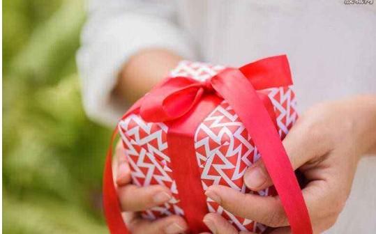 爸爸过生日送什么礼物好?几个实用又贴心的生日礼物排行榜