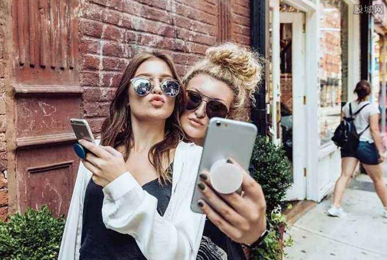 用手机怎么挣钱?手机相机挣钱的项目?_在网上快速致富,什么叫创业板_小成本创业,如今做什么最挣钱